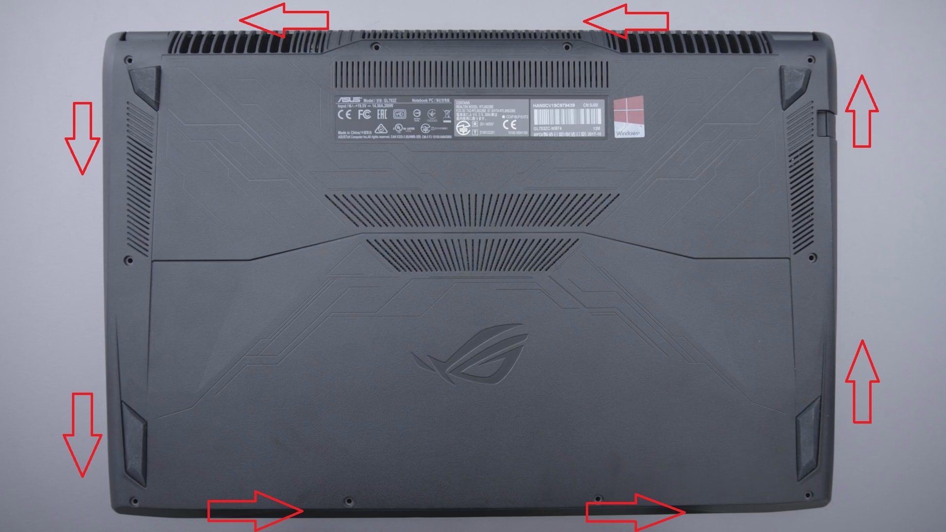 disassembly-Asus-ROG-Strix-GL702-Step-2